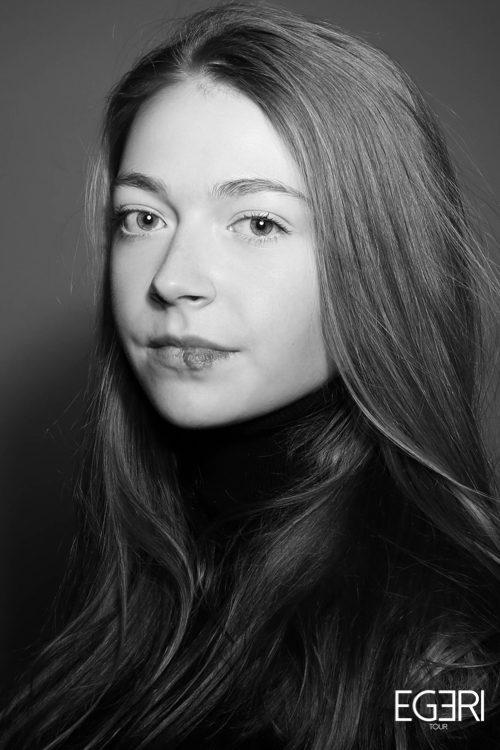 Lauren VA.
