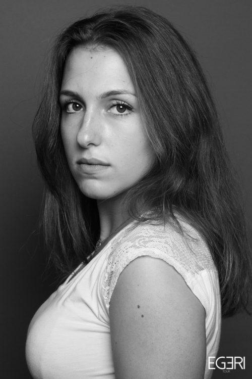 Laura KI.