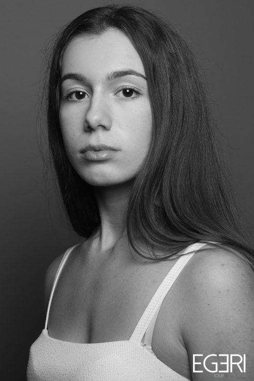 Vanessa DE.