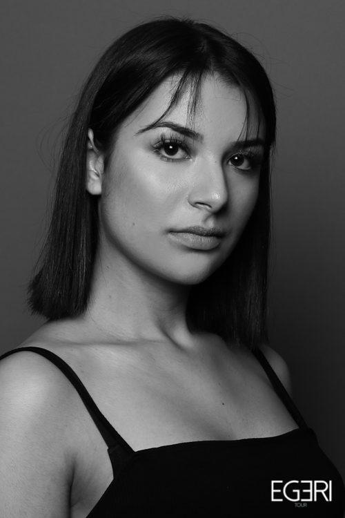Sarah AZ.