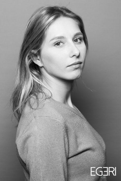 Julie VO.