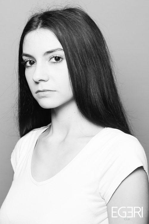 Laura DI.